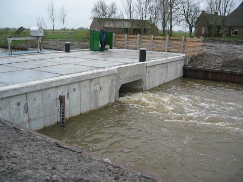 duiker van beton in damzijl betonbouw